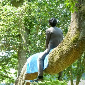 【熊本店 前撮りより】木の上で、、、