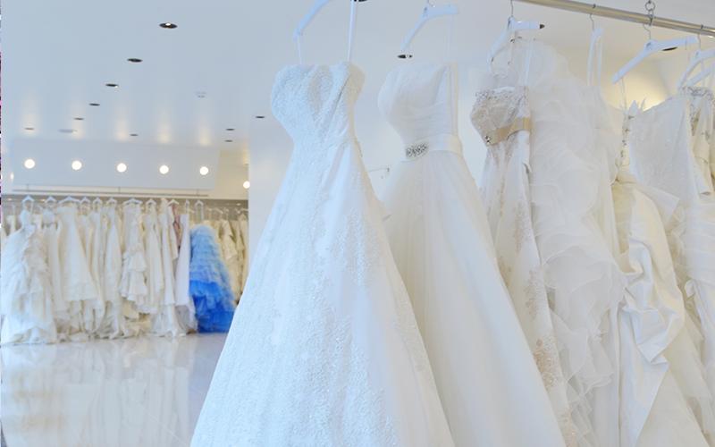 好きな衣装を選び放題!衣装点数は県内最大級!衣装代無料!ドレス・和装を450点以上取り揃えています!