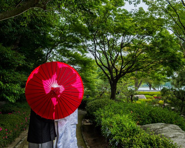 日本庭園で和装フォトウェディング│福岡の前撮り・フォトウェディングはTHE WEDDING TOWN