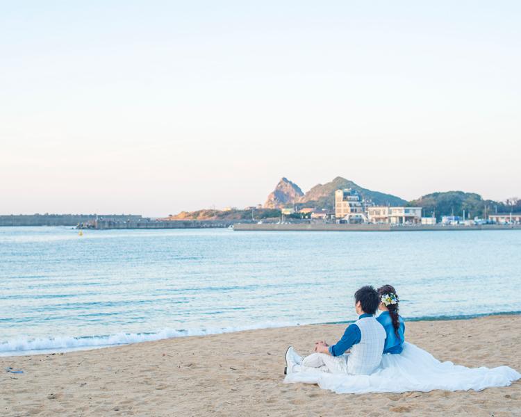 福岡 芥屋(海)での前撮り│福岡の前撮り・フォトウェディングはTHE WEDDING TOWN